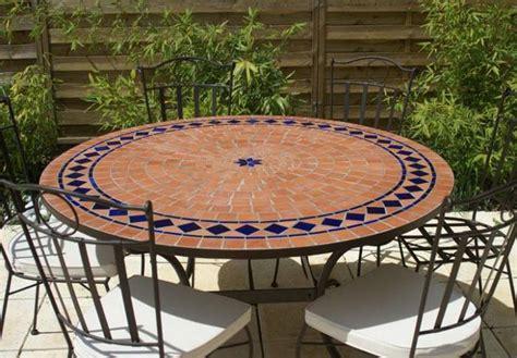 Table Patio Ronde by Table Jardin Mosaique Ronde 130cm Terre Cuite Et Losanges