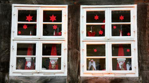 addobbi natalizi per porte e finestre westwing decorazioni accessori e dettagli di stile per