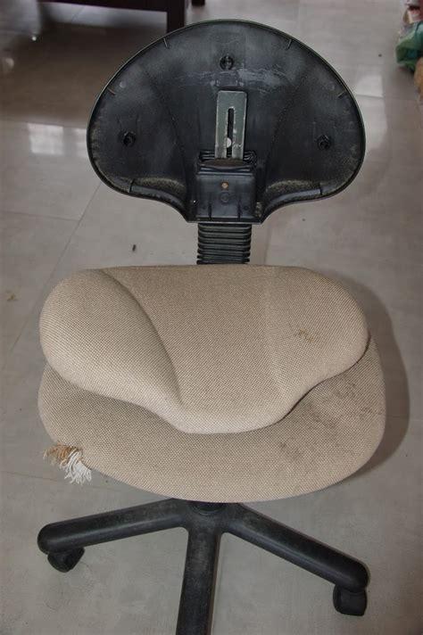 r駱arer chaise de bureau diy relooker une chaise de bureau unik