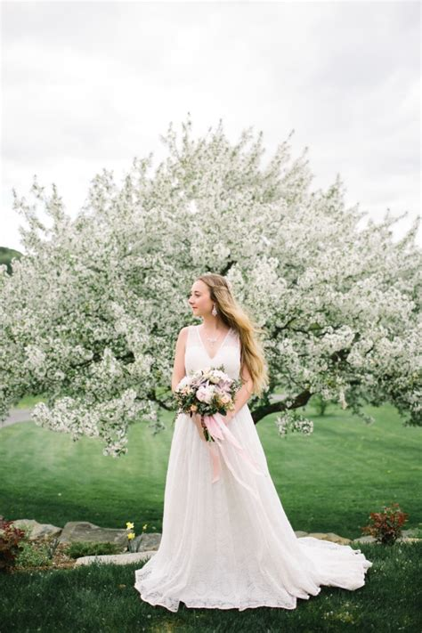 Bridal Photoshoot by Vermont Wedding Inspiration A Apple Blossom