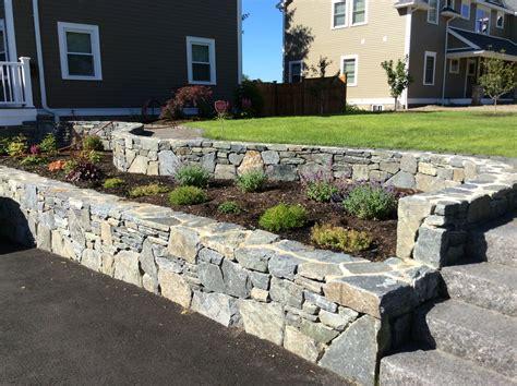 building a garden retaining wall audidatlevante