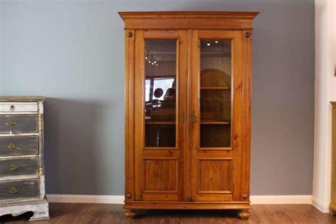 glasvitrine antik glasvitrine antik schrank sekretr vitrine