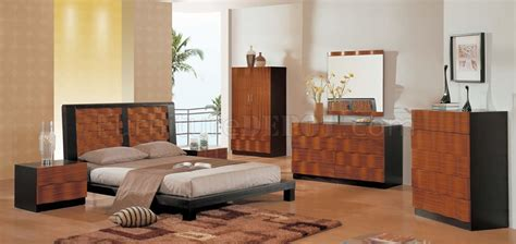 two tone bedroom furniture two tone modern bedroom set with curving details
