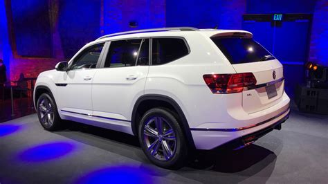 volkswagen atlas r line 2018 vw atlas suv priced from 30 500