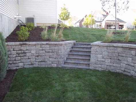 Rockwood Retaining Walls Rockwood Vintage Retaining Wall With Willowcreek