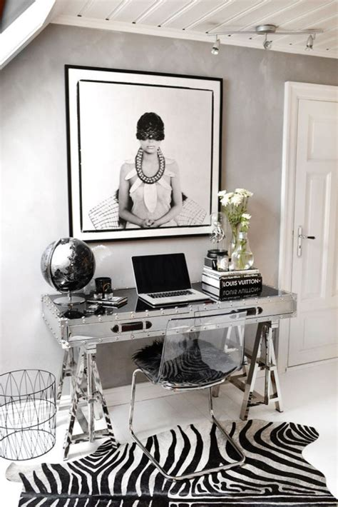8 Dreamy Desks That Make You Wish You Were A Fashion Black And White Desk Accessories
