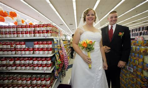 10 Strange Ways To Get Married by Weirdest Wedding Locales 5 Places Couples