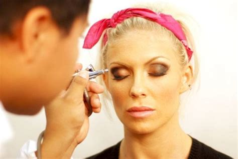 Airbrush Makeup airbrush makeup faqs for the beginners