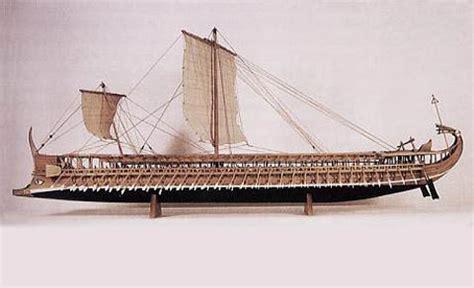 navi persiane la trireme report report