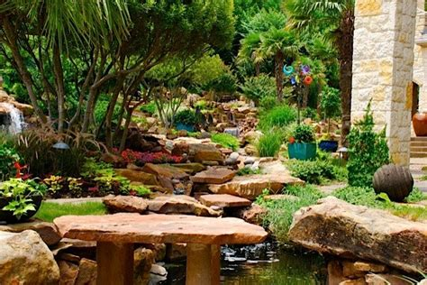 Backyard Garden Oasis by Hotel R Best Hotel Deal Site