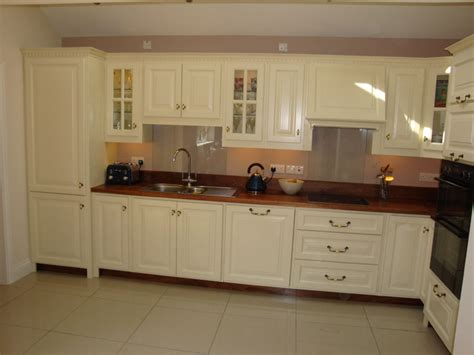 painting kitchen cabinets cream 10 simple cream painted kitchens ideas photo lentine