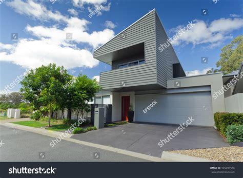 australian house music modern australian house front stock photo 105493586 shutterstock
