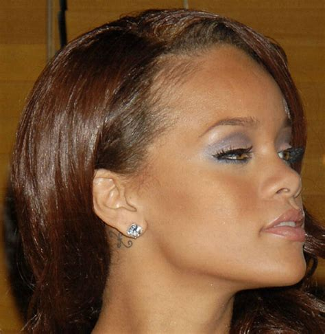 tattoo behind rihanna s ear cute rihanna behind the ear tattoo tattoomagz