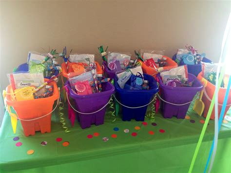 25 best ideas about bubble guppies party on pinterest bubble guppies party favor buckets party time bubble