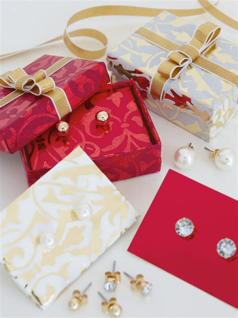 unique way to wrap a gift creative ways to wrap small gifts home design inspirations