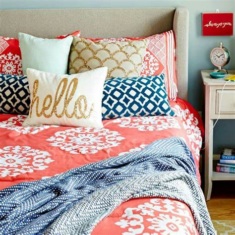 navy blue and coral bedroom ideas best 25 navy and coral bedding ideas on pinterest navy
