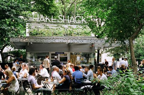 shake shack why shake shack is so popular business insider