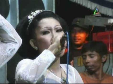 download mp3 darso layung beureum buah kawung kembang beureum jaipongan layung group