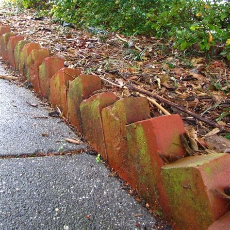 brick garden bed edging best 25 brick edging ideas on brick garden