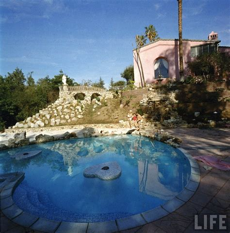 jayne mansfield house theredtele honε the dreamy pink love nest of jayne mansfield