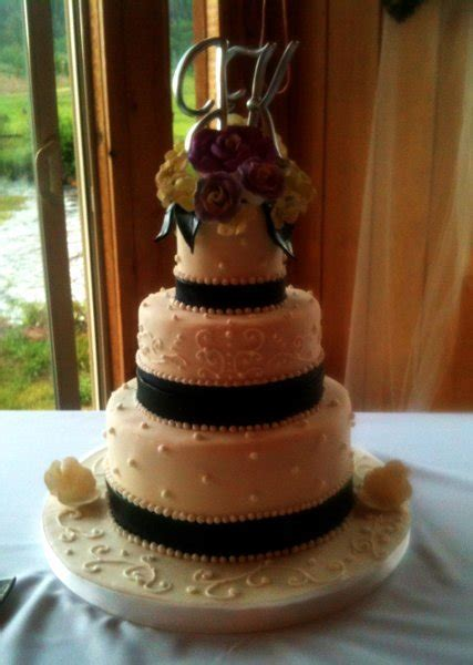 Designer Cakes & Confections LLC.   Denver, CO Wedding Cake