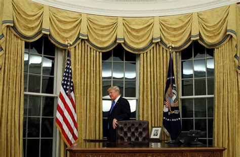 Trump Drapes | gold drapes in trump s oval office raise historical