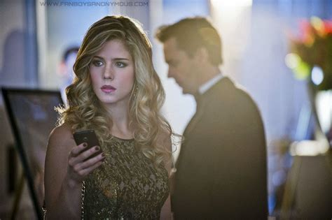 felicity smoak actress top 10 sexiest women on tv crushes for the 2013 2014