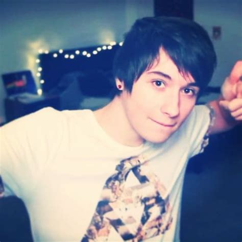 dan howell is just so to look at i look at the