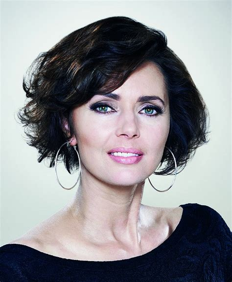 hairstyles for short curly hair uk a short black hairstyle from the little black dress