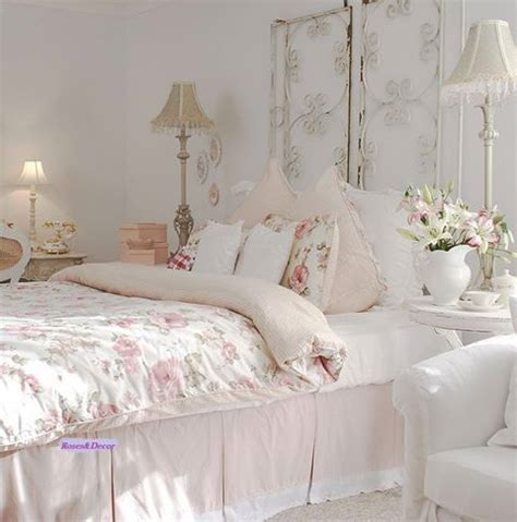 How To Decorate A Shabby Chic Bedroom by 33 Sweet Shabby Chic Bedroom D 233 Cor Ideas Digsdigs