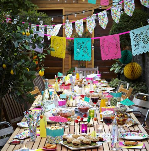 mexican themed wedding decorations brightly coloured mexican wedding theme ideas