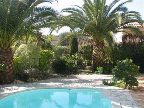 Beau Jardin Avec Piscine by Charmante Villa Proven 199 Ale Avec Piscine Et Beau Jardin