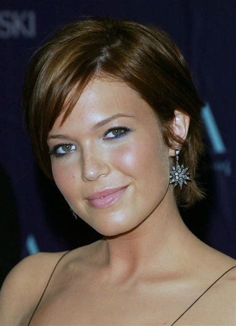 Top 29 Mandy Moore's Hairstyles & Haircuts Ideas To