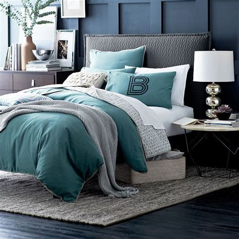 West Elm Bedroom Sale by 17 Best Ideas About Charcoal Bedroom On Charcoal Grey Bedrooms Grey Room And Grey