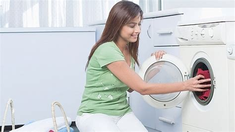 wash color clothes in cold water use cold water to wash laundry water saving household
