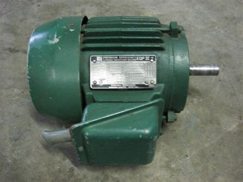Dijamin Toshiba 3 Phase Induction Motor toshiba peremium efficiency 3 phase induction motor eqp3 1