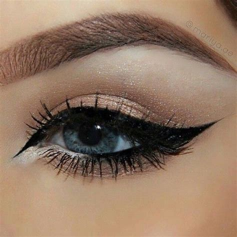 Eyeliner Make Up 17 best ideas about eyeliner on eyeliner styles wing tip eyeliner and make up styles