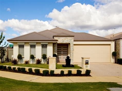 photo of a rendered brick house exterior from real australian home house facade photo 113899
