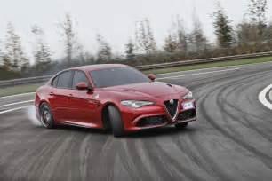 Alfa Romeo Giula 2016 Alfa Romeo Giulia Quadrifoglio Review Caradvice