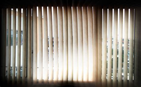 File vertical blinds at noon jpg wikimedia commons