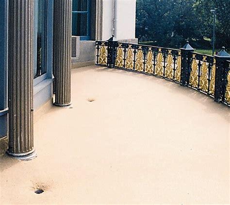 resina per terrazzi terrazzo con pavimento trasparente idee di parquettisti