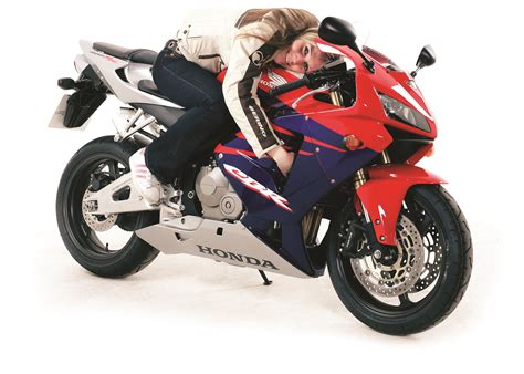 new honda 600 living with a 2005 honda cbr600rr visordown