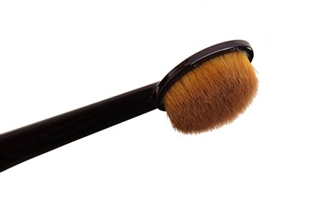 Oval Foundation Brush Kuas Oval mac oval 3 brush brush review swatches