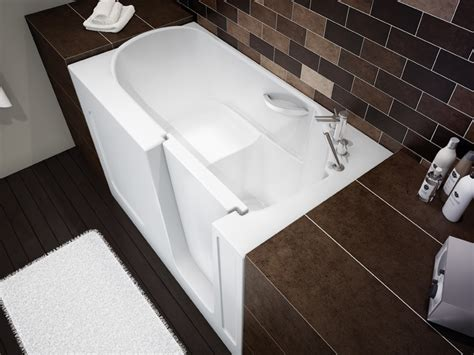 Spa Bathtubs For Small Spaces by Compact Walk In Bathtub By Maax Professional Digsdigs