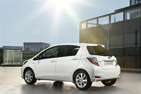 2013 toyota yaris hybrid review specs pictures price