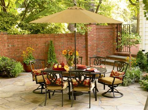 Patio Table Decor Golden Yellow Color To Complete Your Fall Decorating Ideas Midcityeast