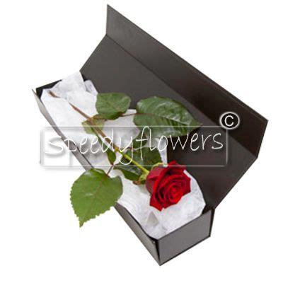mandare fiori all estero inviare rosse regalare rosse spedire rosse