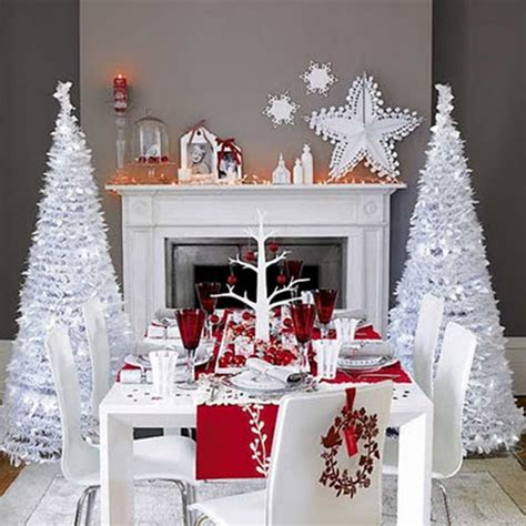modern red and white christmas tablescape b lovely events