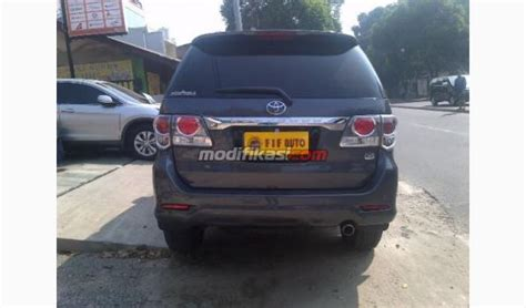 Jual Tv Mobil Fortuner Jual 2012 Toyota Fortuner 2 7 G At Abu Abu Metalik