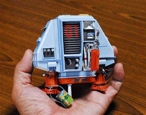 Sci Fi Papercraft - uhu02 sci fi paper craft from japan dj food